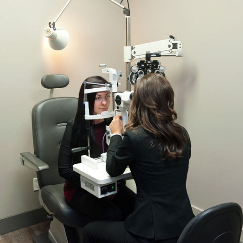 Dr. Eva Kalicinsky provides comprehensive eye exams in Langley, BC