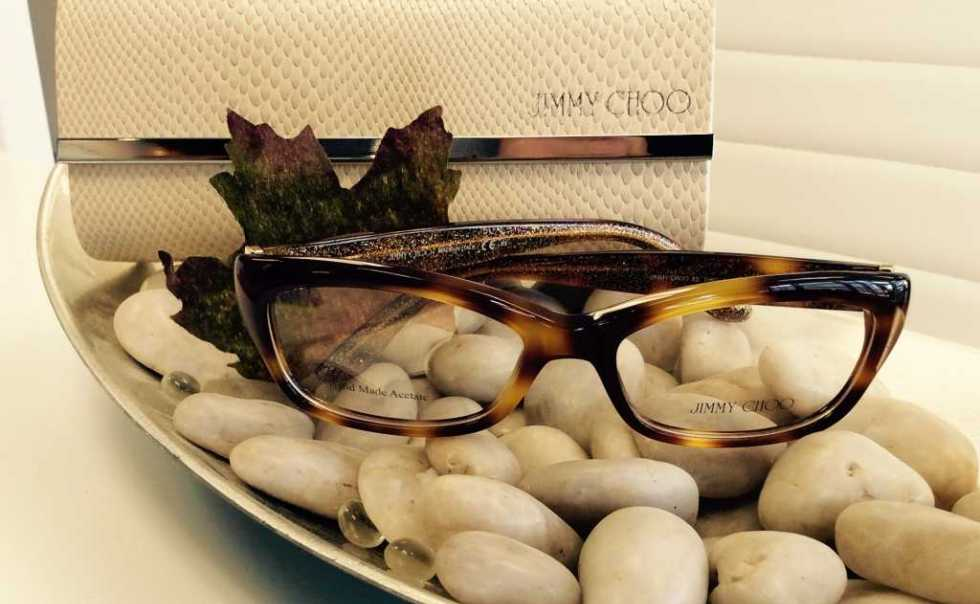 Pair your beautiful frames with incredible lenses from Hoya, Ziess or Essilor